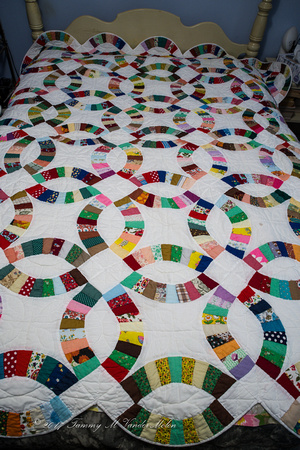 Day 13 - Double Wedding Ring Quilt